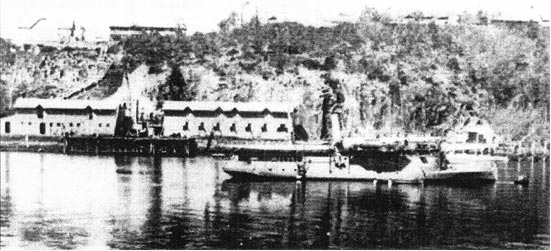 Kangaroo Point Cliffs, Naval Depot, tuff buildings